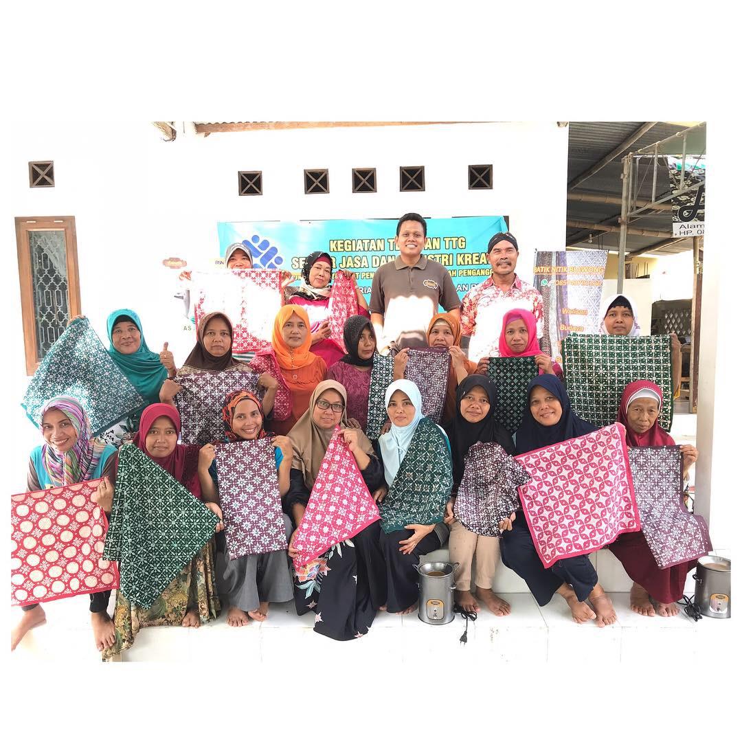 Pelatihan Penggunaan Alat Teknologi Batik di Batik Nitik Blawong 2