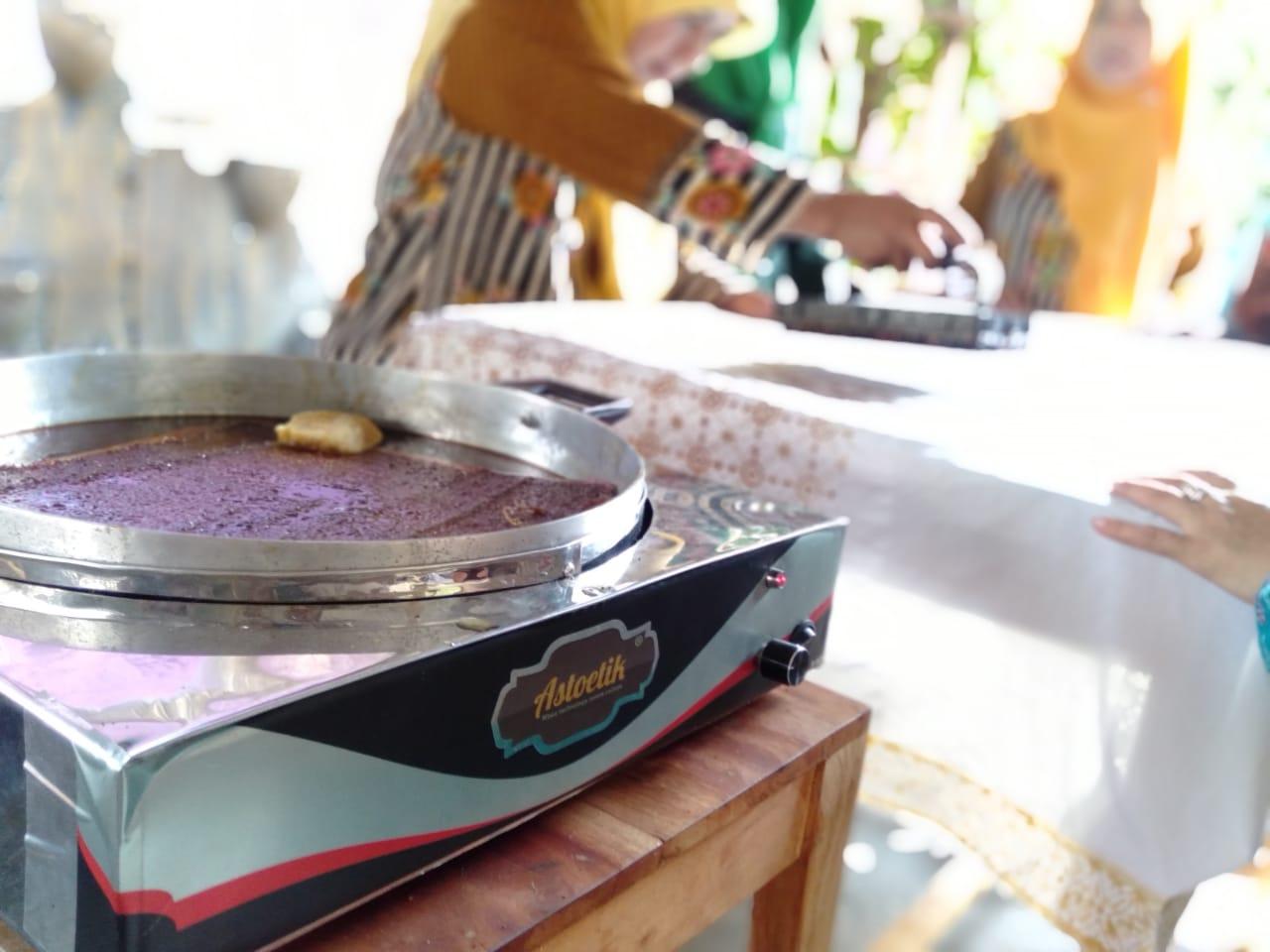 Kompor Listrik Astoetik Mudahkan Perajin dalam Membuat Batik