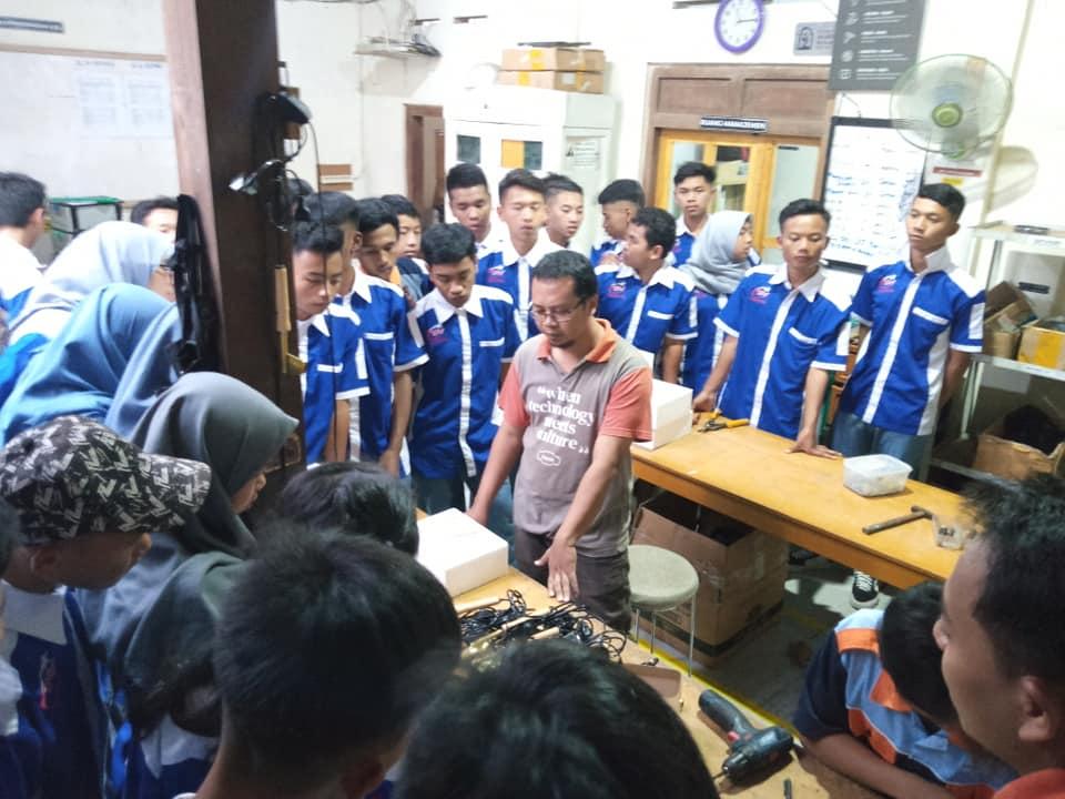 Kunjungan Industri SMK Negeri Bansari, Temanggung di Workshop Astoetik